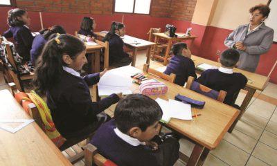 Escolares piden jubilar maestros