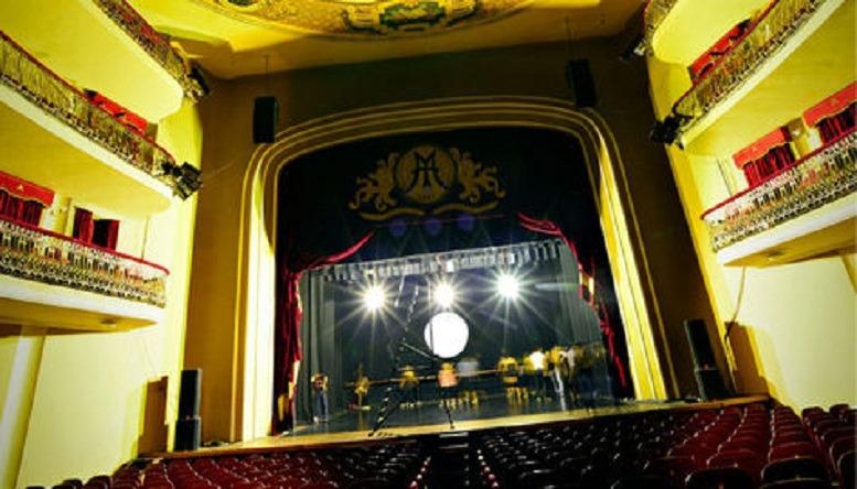 Teatro municipal reabre sus puertas