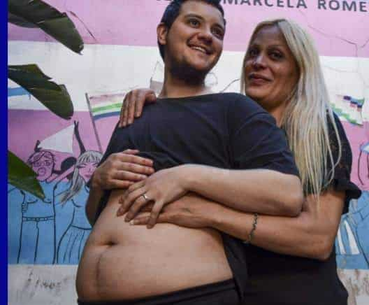 Hombre embarazado
