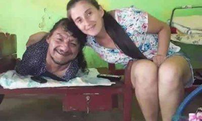 Hombre sin piernas ni brazos cria a sus hijas en Paraguay