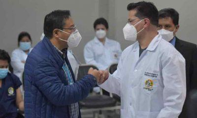 Primer médico vacunado en el Alto La Paz