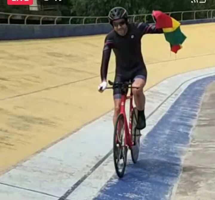 Ciclista Nijland rompe el récord nacional en Bolivia