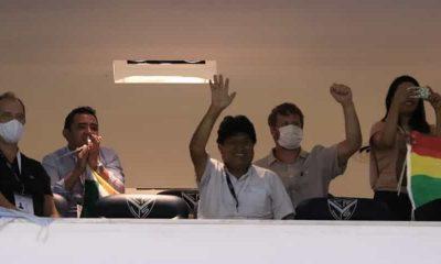 Evo Morales en estadio amalfitani