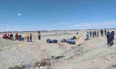 Limpieza Cementerio de trenes de Uyuni