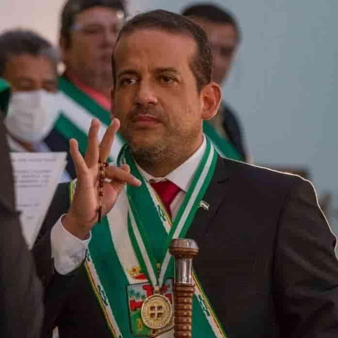 Camacho gobernador de Santa Cruz