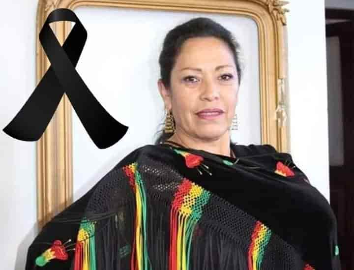 Cantante del Grupo Femenino Bolivia Luisa Molina