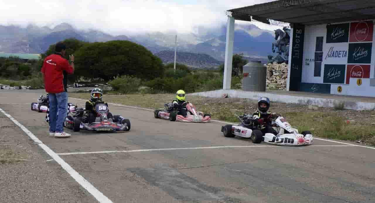 Pilotos bolivianos de Karting